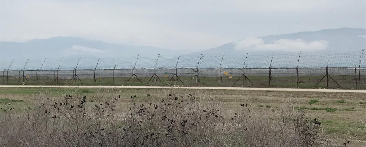 الصورة: السياج الحدودي بمحاذاة قرى مرج نعجة والزبيدات ومرج الغزل، تصوير أحمد حنيطي.